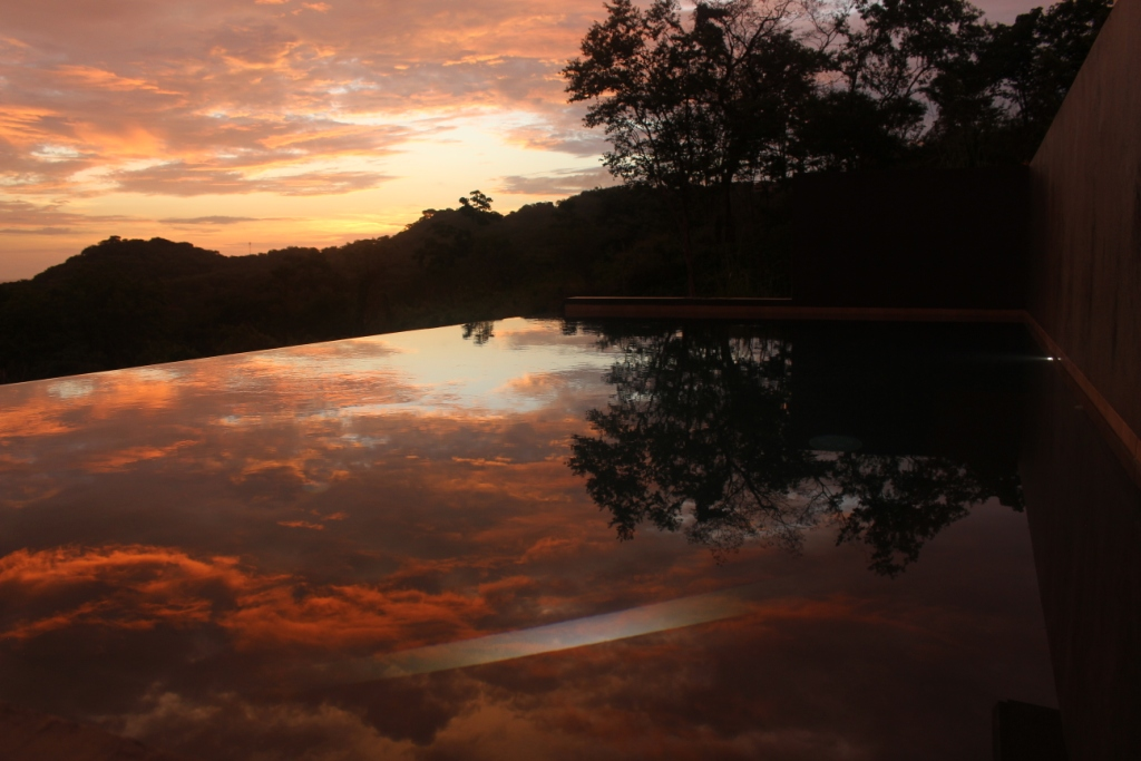 piscine et reflet